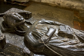 Effigy of Peter des Roches, bishop of Winchester, at Winchester Cathedral